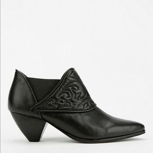 Jeffrey Campbell Black Leather Iona Bootie 6